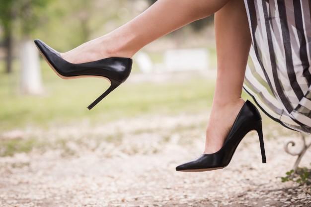 تفسير حلم شراء حذاء جديد للعزباء والمتزوجة وفق ما جاء عند كبار المفسرين
