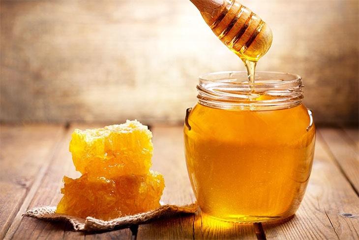 حلم اكل العسل .. تفسير حلم اكل العسل عند ابن سيرين للعزباء والحامل والمطلقة