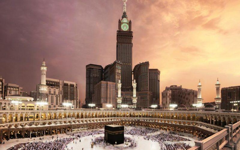 فندق في مكة قريب من الحرم ويبعد عنه خطوات قليلة ويطل على الحرم المكي