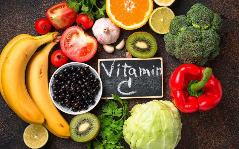 كم يحتاج الجسم من فيتامين سي وما هي أعراض زيادة نسبة فيتامين سي